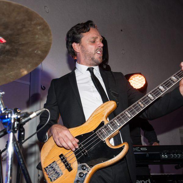 Artiste musicien pour soirée d'entreprise par le groupe de musique Paris Groove