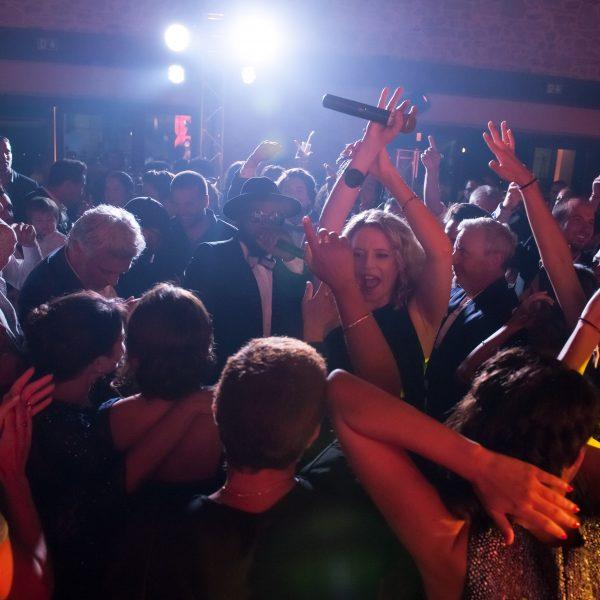Ambiance lors d'un événement animé par notre groupe de musique Paris Groove