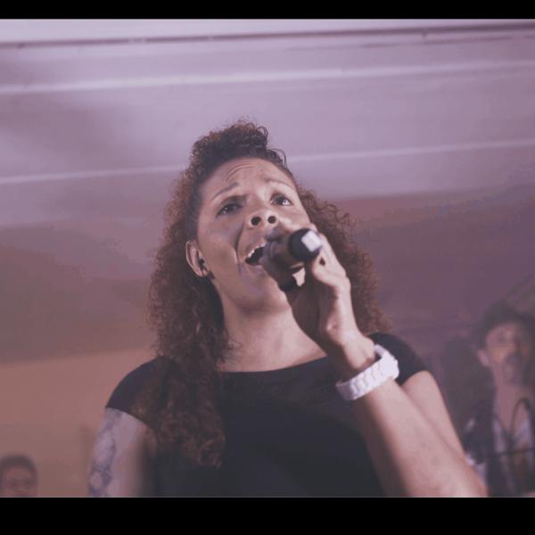 chanteuse paris groove : orchestre et dj live pour mariage et bar mitzvah
